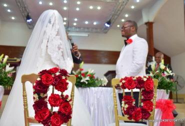 Je t'aime moi non plus, Un mariage sur les tons rouge et blanc by Agence Dorée